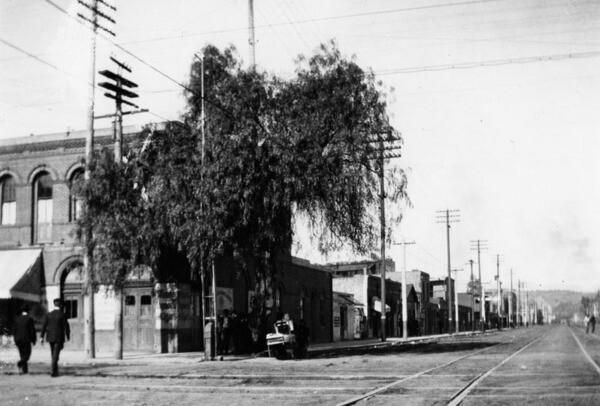 Alameda and Aliso Streets, looking north ca. early 1900s | Courtesy of the Los Angeles Public Library