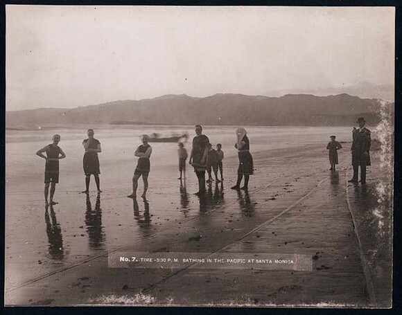 Bathing_in_the_Pacific-thumb-580x455-89081