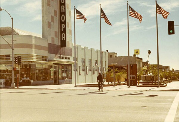 The northern terminus of the Santa Monica Mall, at Third and Wilshire, in 1970. Courtesy of the Santa Monica Public Library Image Archives.