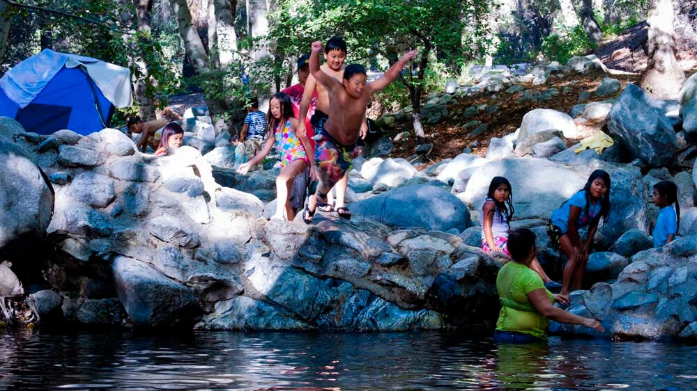 Children exult in nature at the Switzer Falls Picnic Area, San Gabriel Mountains National Monument | Photo: Neon Tommy, some rights reserved