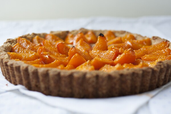 Apricot Tart with Almond Crust