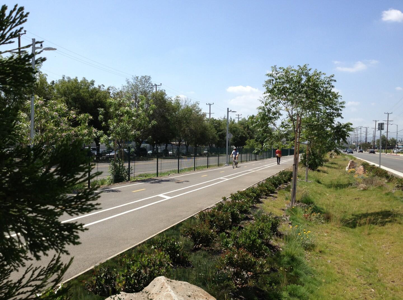 MOL Parkway (2)