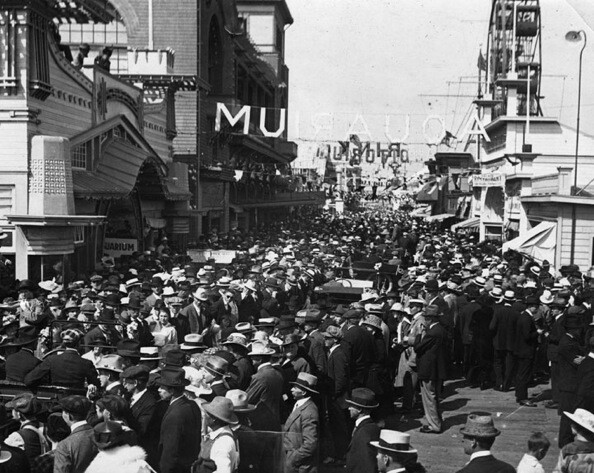 Hundreds came to the grand opening of Atlantic Pier.   Photo courtesy of Los Angeles Public Library