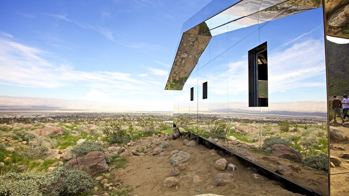 doug_aitken_-_mirage_02_-_photo_by_osceola_refetoff.jpg