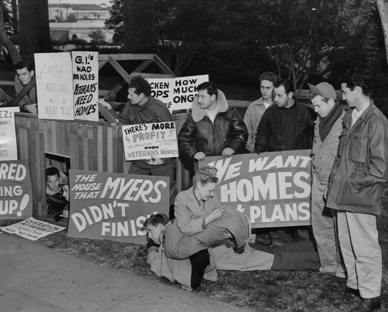 Despite its military namesake, the park was the site of numerous protests. In 1947, veterans of WWII camped out in MacArthur Park to bring attention to the lack of affordable housing in Los Angeles.
