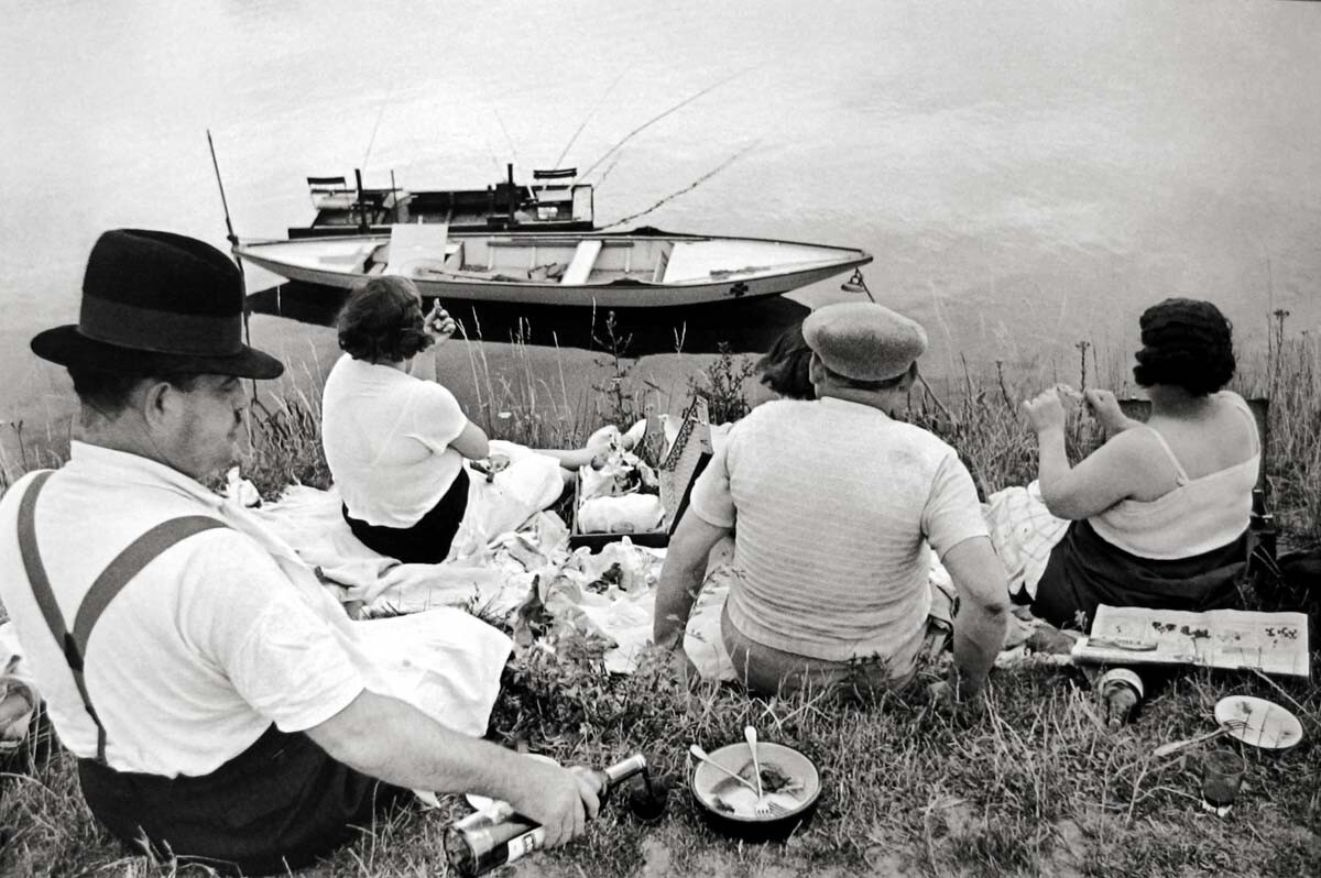 Henri Cartier-Bresson, On the Banks of the Marne, Paris, 1938 | Courtesy of Peter Fetterman Gallery