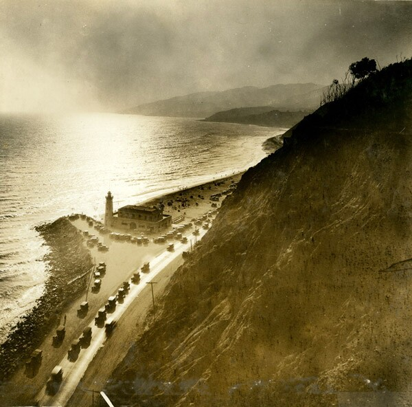Circa 1930 view of the Roosevelt Highway near Pacific Palisades. Courtesy of the Los Angeles Area Chamber of Commerce Collection, USC Libraries.