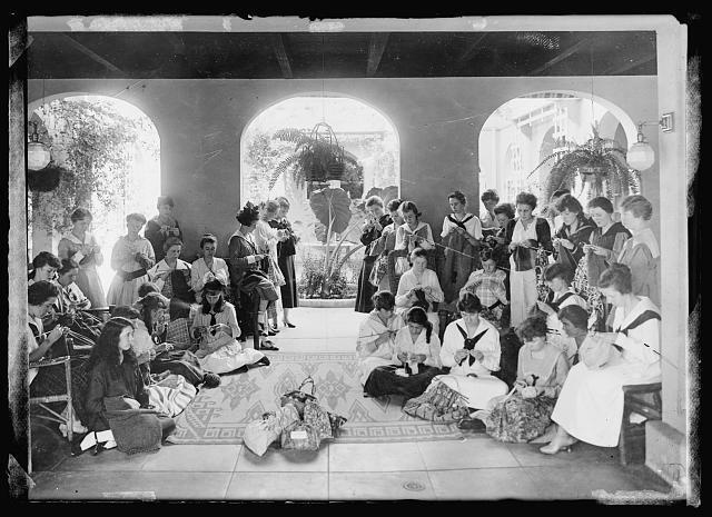 Red Cross work at Girls Collegiate School_Los Angeles_1918