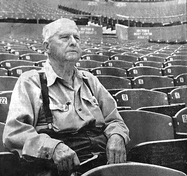 Van Griffith (83) at the Greek Theater | Photo by Doug Carter for Glendale News-Press October 25, 1971