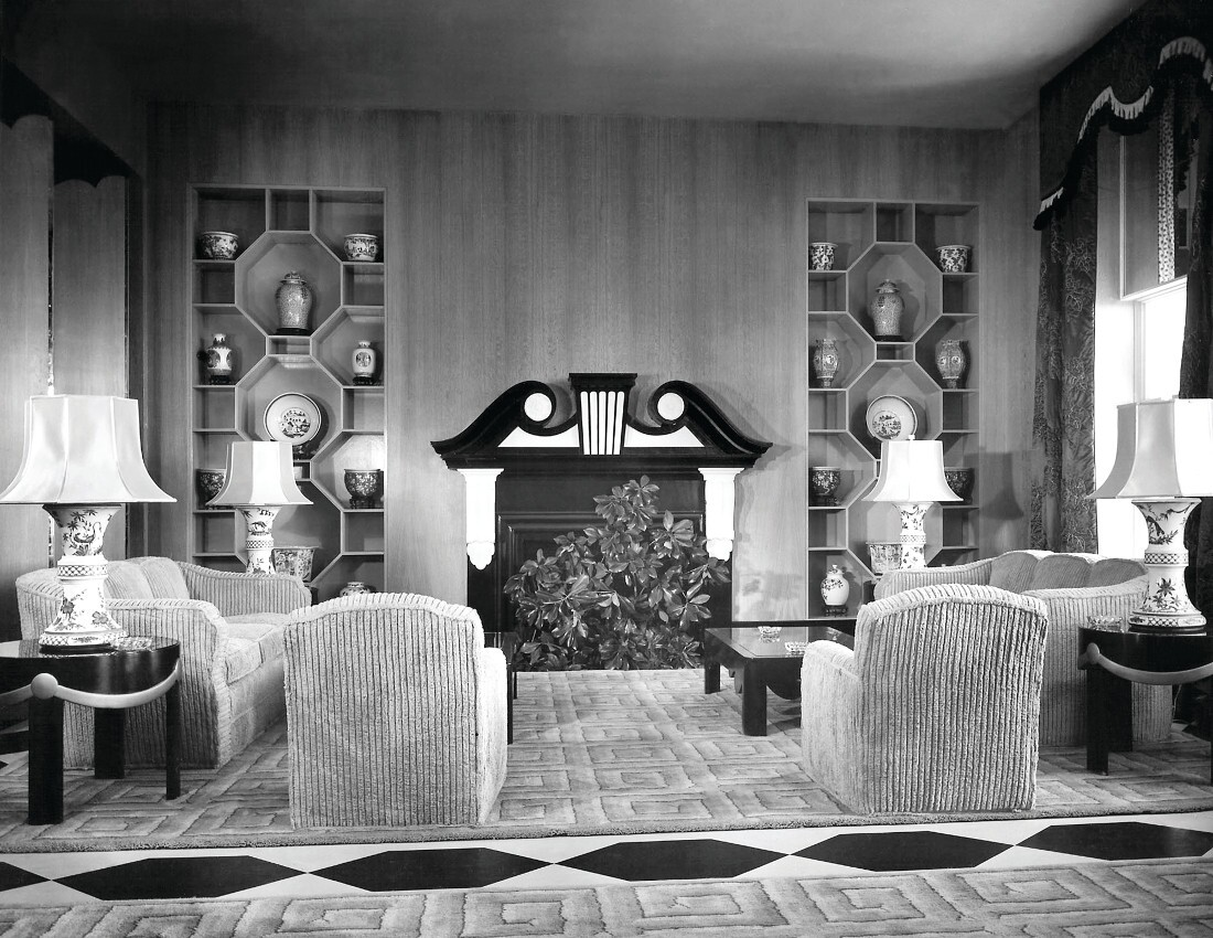 Lounge area at Arrowhead Springs Hotel circa 1945. | The archives of Dorothy Drater & Co. Inc (New York), The Carleton Varney Design Group. 1100px