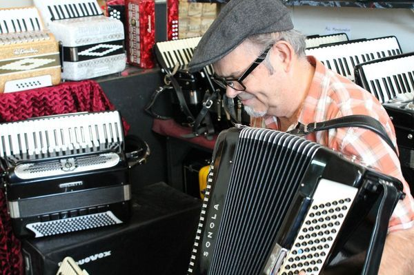 accordion40-thumb-600x399-58287