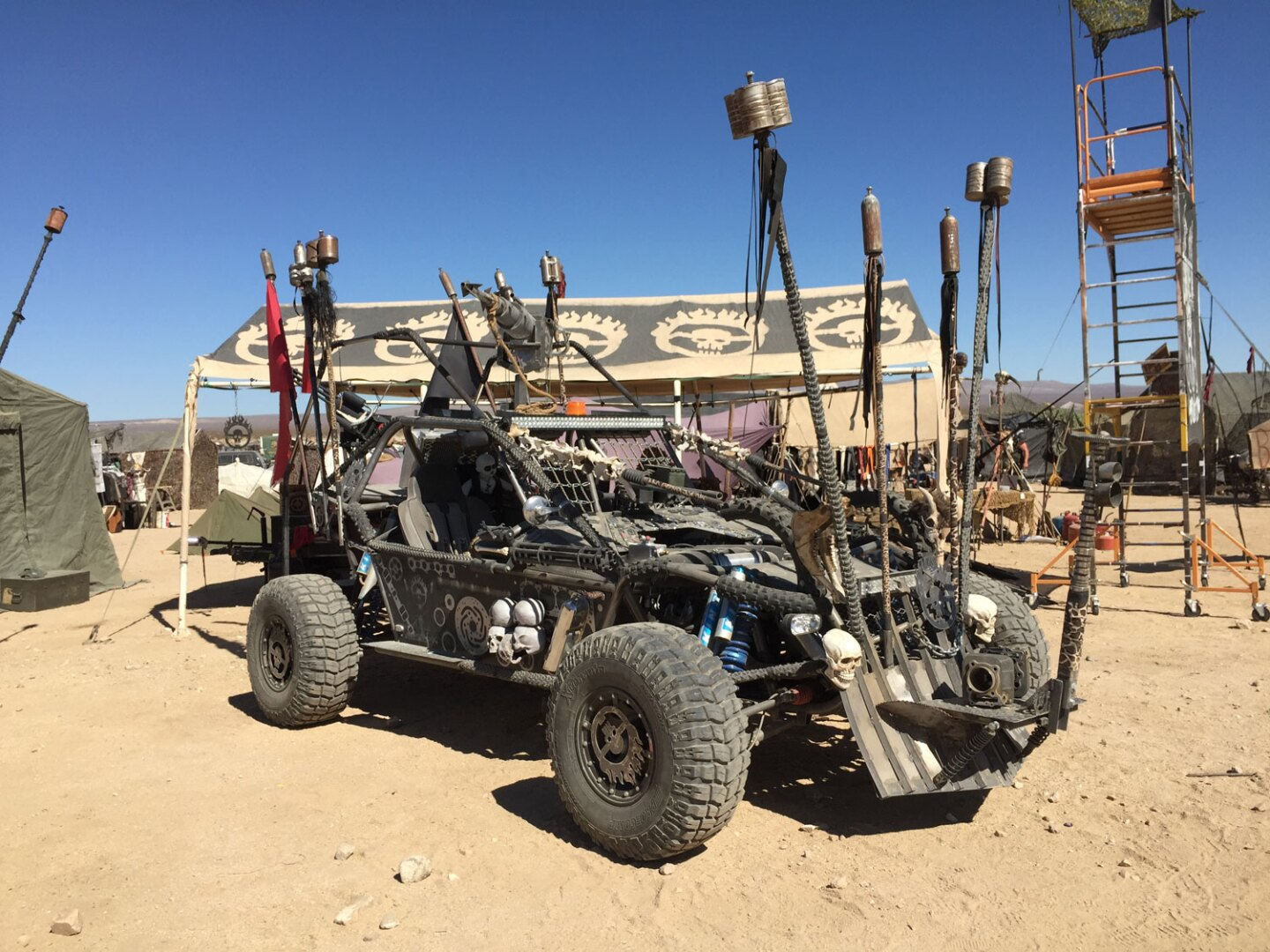 Customized War Boys vehicle that scours the Wasteland