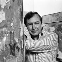 Artist Jasper Johns photographed with his work at the Whitney in New York City, October 1977.| Jack Mitchell/Getty Images