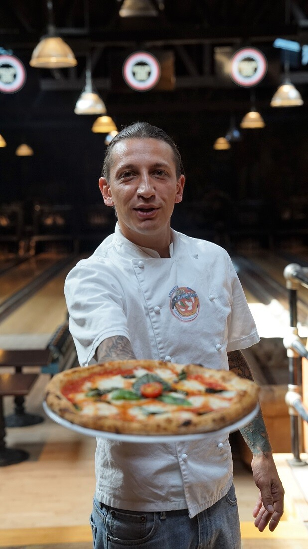 Marco Aromantario, master pizzaiola at the Highland Park Bowl