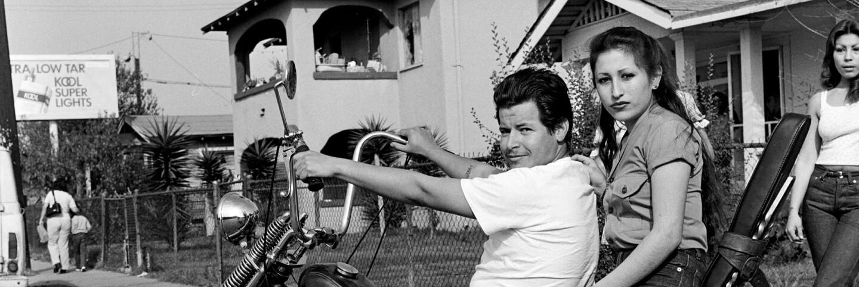Janette Beckman, Hoyo Maravilla, East LA 1983, 1983. Courtesy of the artist