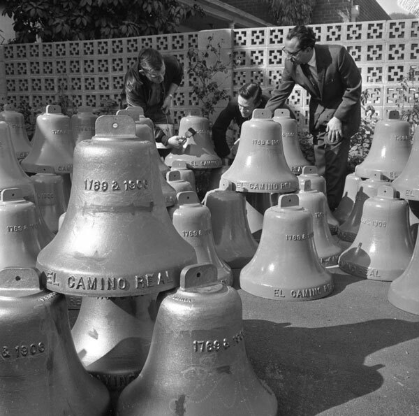 Cast iron bells await installation along El Camino Real in 1963. Courtesy of the Los Angeles Times Photographic Archive. Department of Special Collections, Charles E. Young Research Library, UCLA. Used under a Creative Commons license.