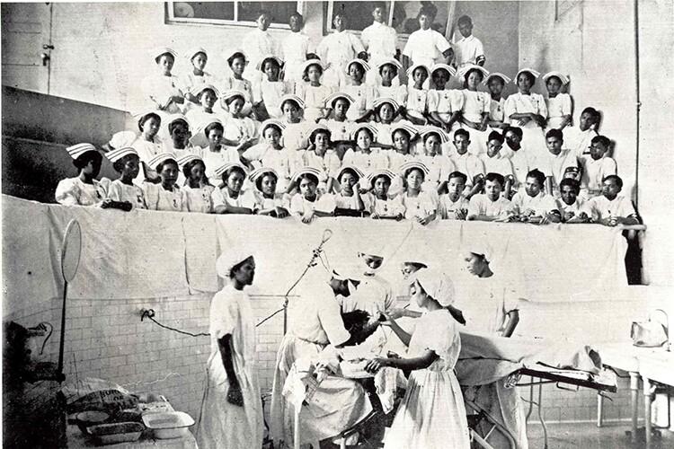 Philippine Nurses - General Hospital - 1915