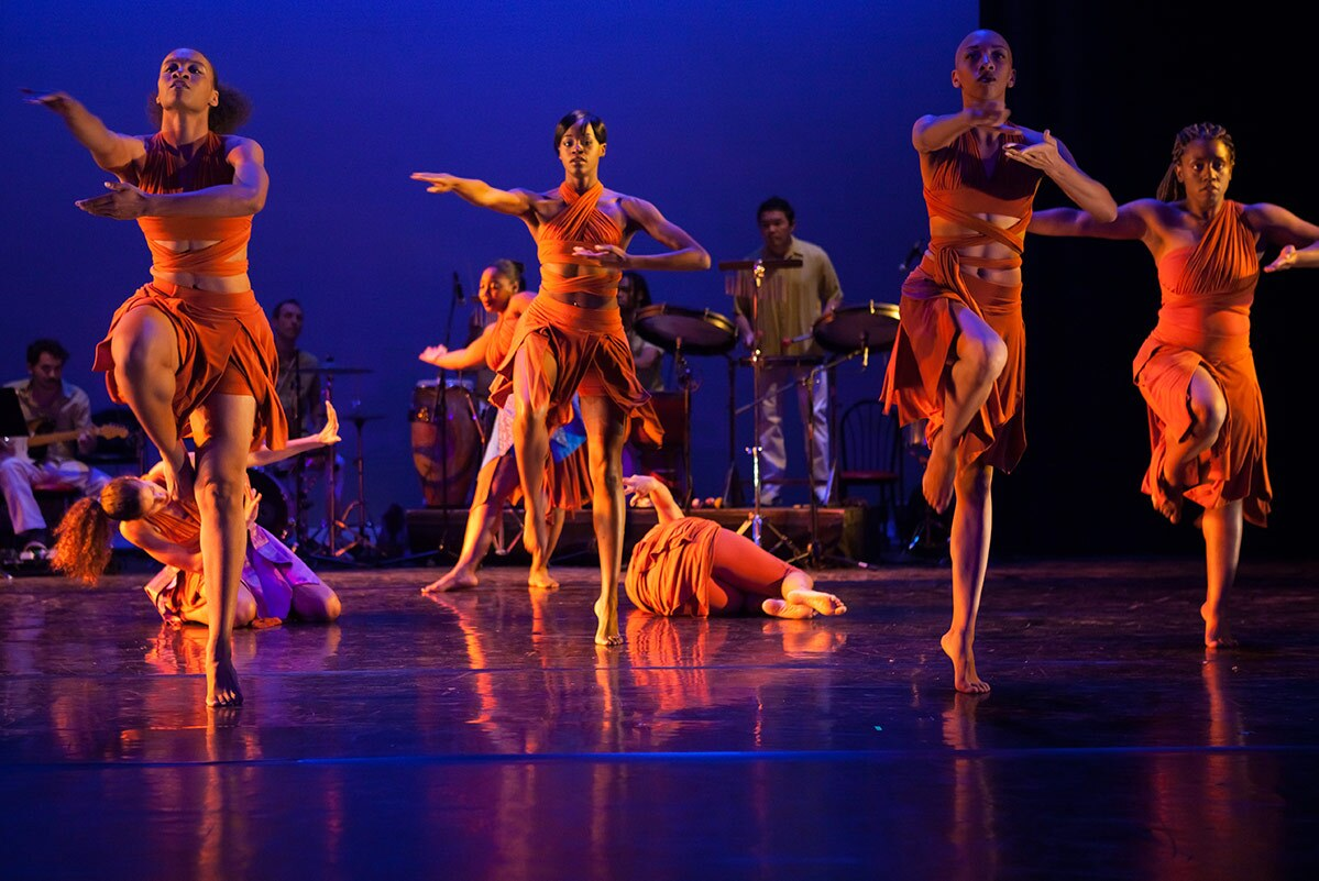 "Viver Brasil performing their piece ""Mothers and Son"" choreographed by Rosagela Silvestre 
