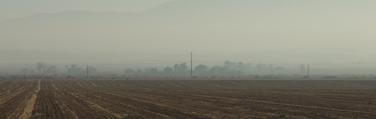 Bad air quality on a Kern County farm | Photo: staticaantics, some rights reserved