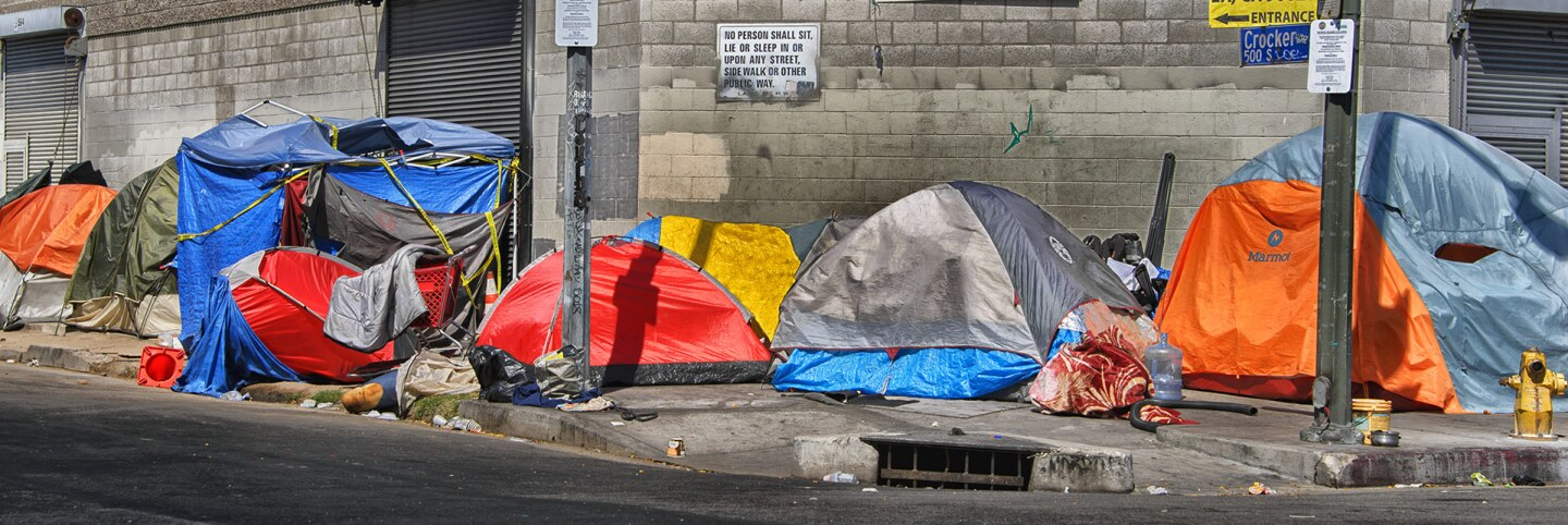 Tenting in Downtown Los Angeles, Skid Row | Russ Allison Loar/Flickr/Creative Commons