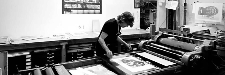 Francesco Siqueiros at work at El Nopal Press   Julian Campos. Courtesy of El Nopal Press