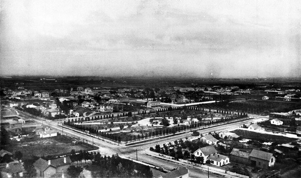 Circa 1880 panoramic view of Sixth Street Park and the surrounding area. Courtesy of the Title Insurance and Trust / C.C. Pierce Photography Collection, USC Libraries.