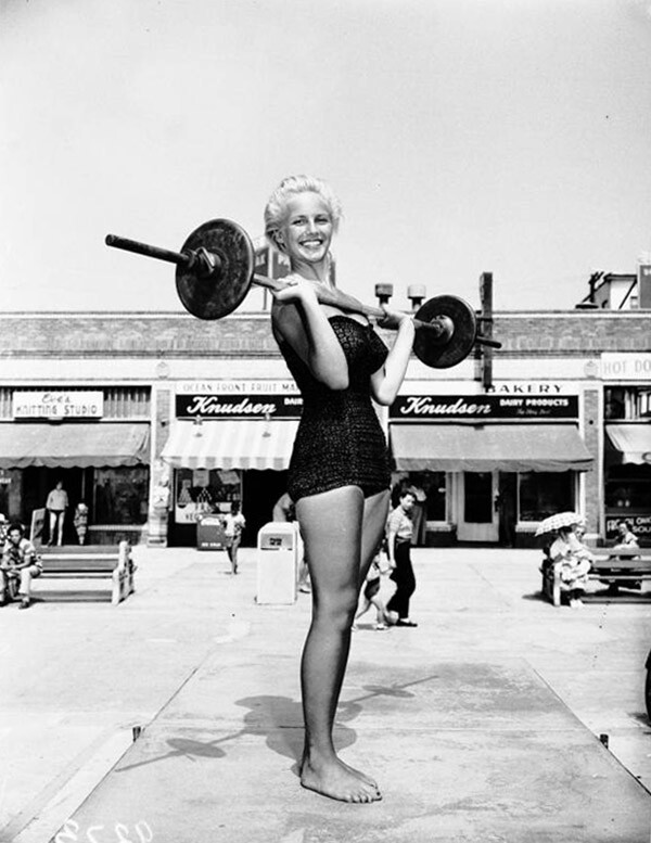 """""""Miss Muscle Beach"""" contest, 1951 