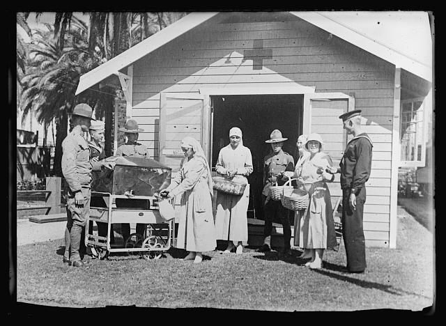 Santa Fe Hut at Los Angeles_1918-1919_American National Red Cross Collection_Prints and Photographs_Library of Congress