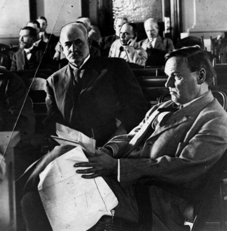 Attorney Clarence Darrow (foreground) in the courtroom during the McNamara trial | Herald-Examiner Collection, Los Angeles Public Library