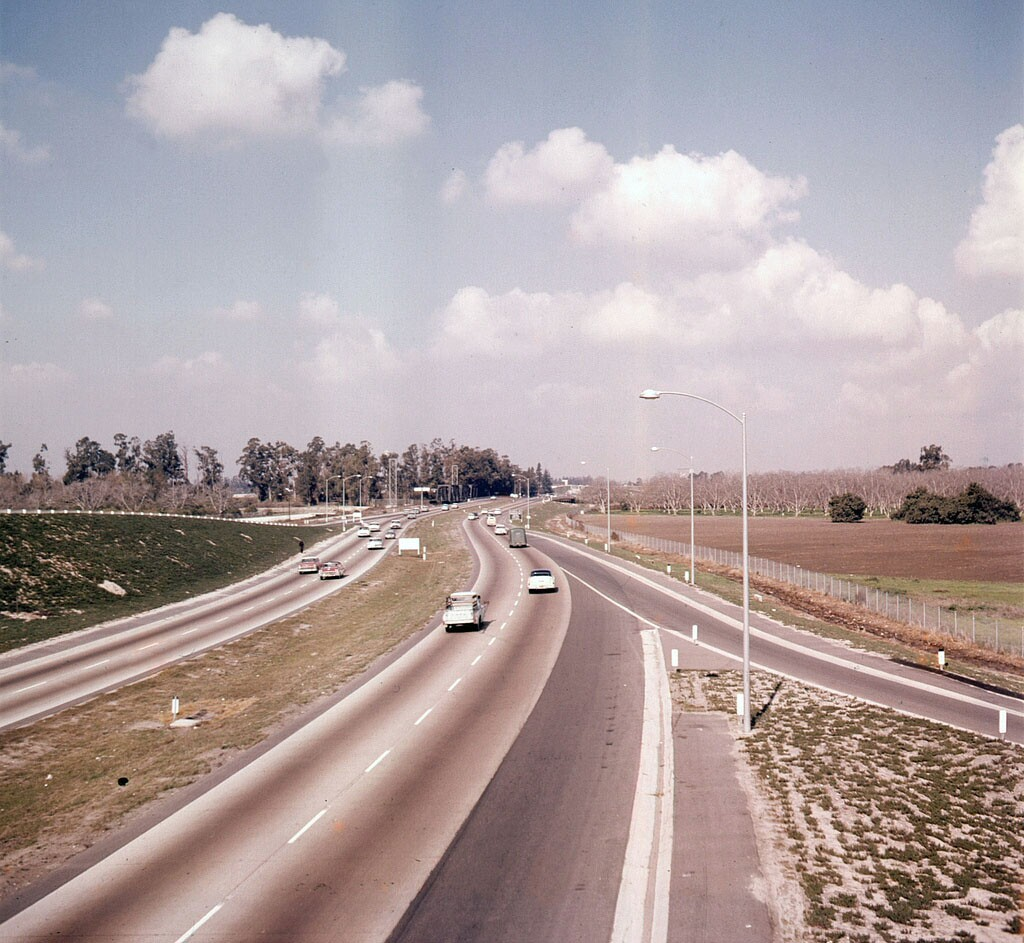 An early view of the the Santa Ana Freeway (I-5) at Bristol in Santa Ana, courtesy of the Orange County Archives