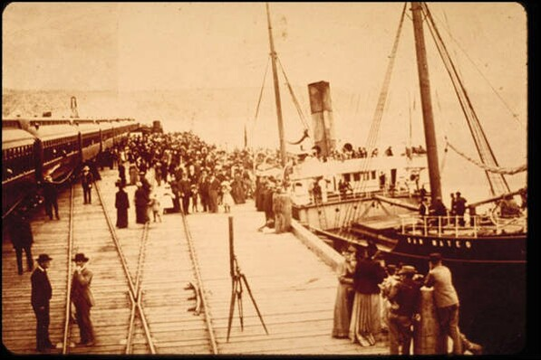Passengers disembark from a ship on the Port Los Angeles wharf. Courtesy of the Santa Monica Public Library Image Archives.