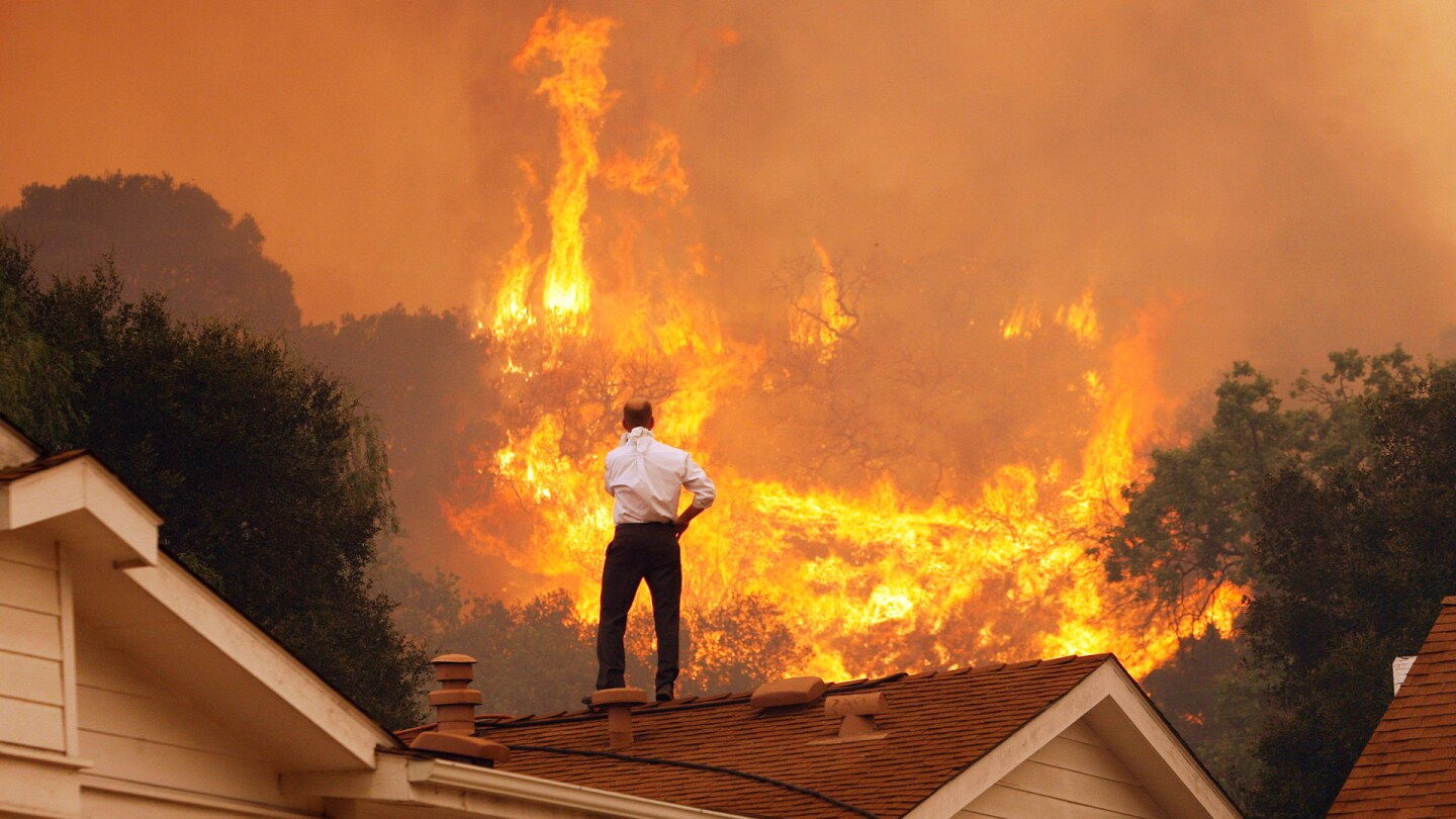 Springs Fire In Southern California Gains Strength