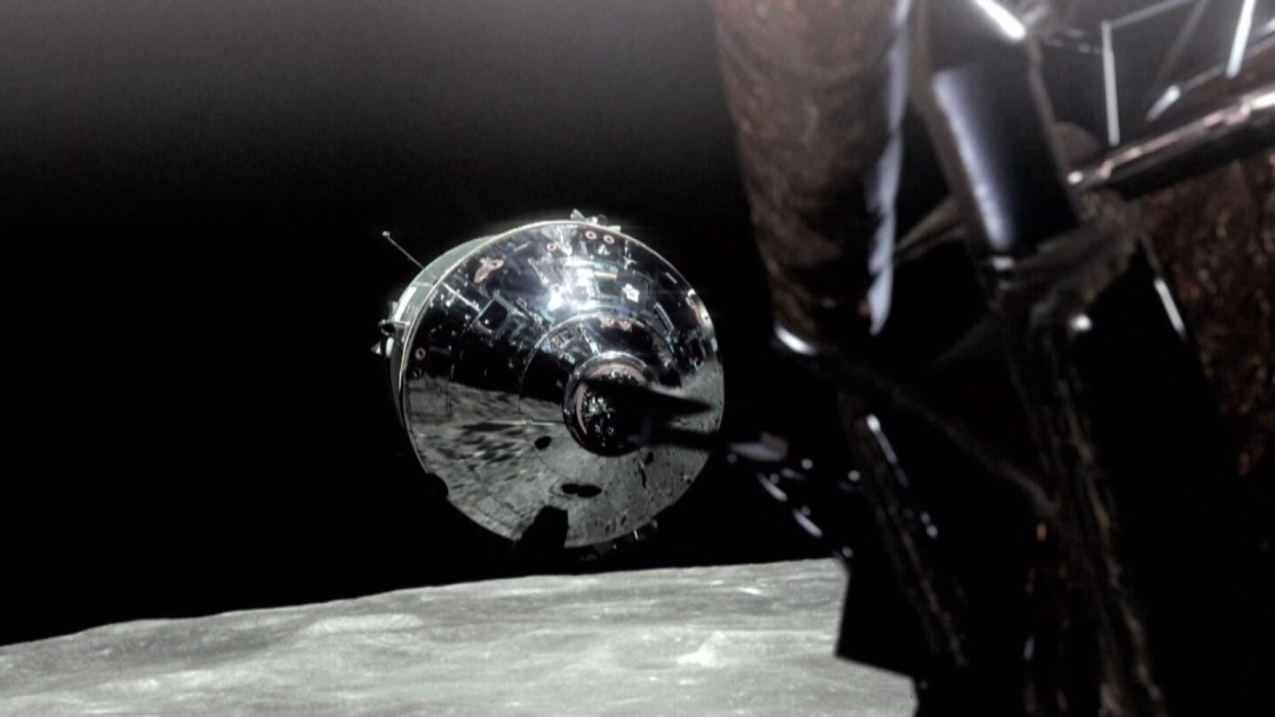"""Lunar capsule moving toward the moon 