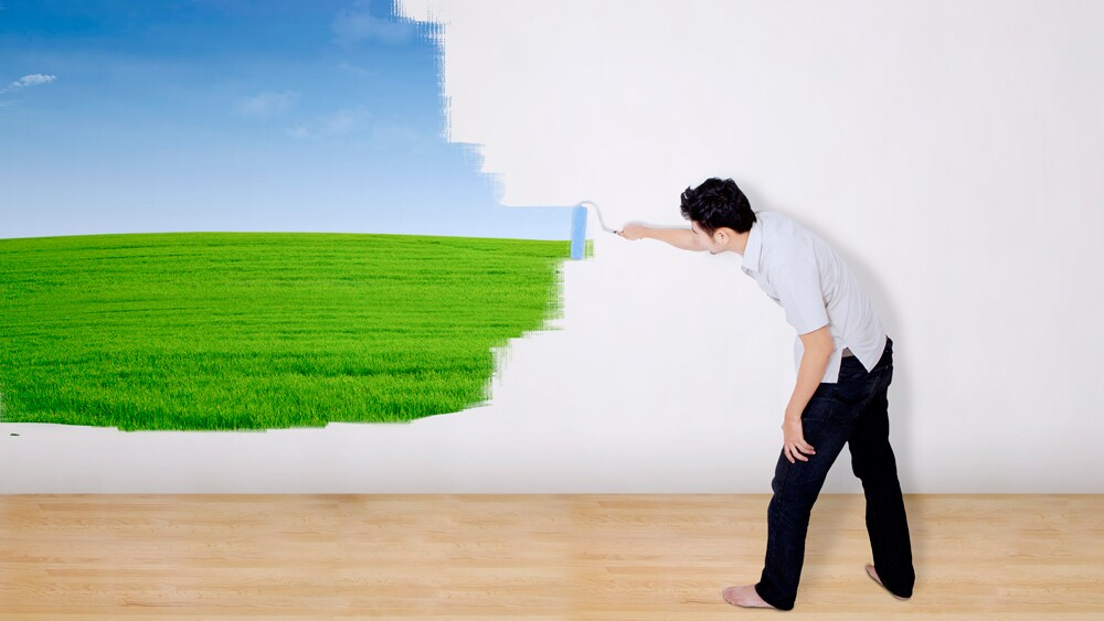 Painting a landscape the easy way   Photo; CreativaImages/iStockPhoto
