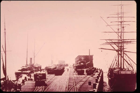 Ships docked at the Port Los Angeles wharf, where freight was then transferred to Southern Pacific trains. Courtesy of the Santa Monica Public Library Image Archives.