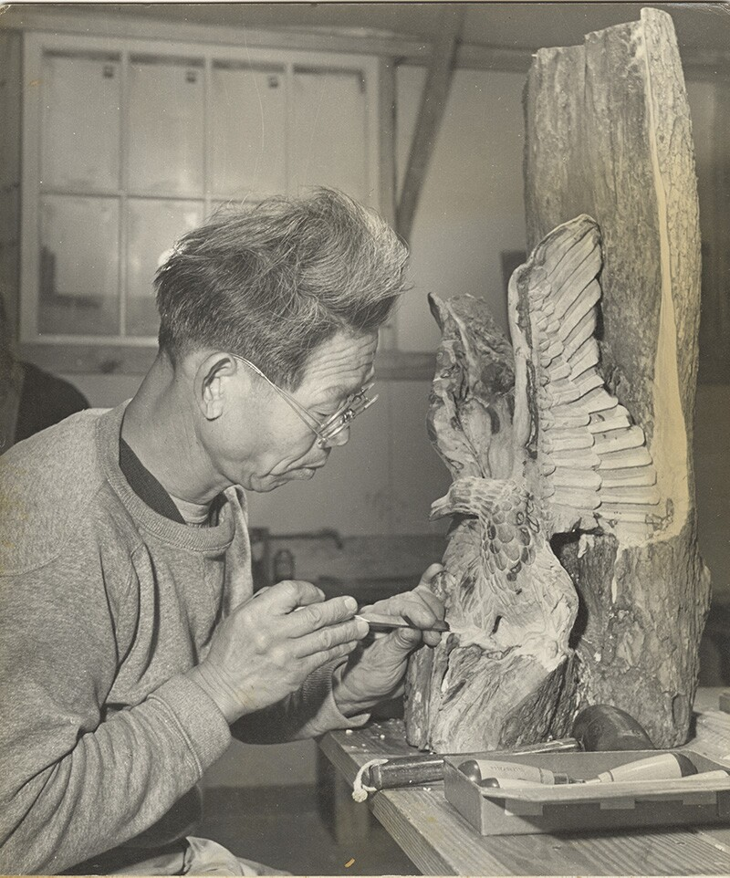 American eagle wood carving at Rohwer, Arkansas. | Tom Parker, courtesy of Japanese American National Museum (Identifier 2015.100.389a) ABs10 MMD