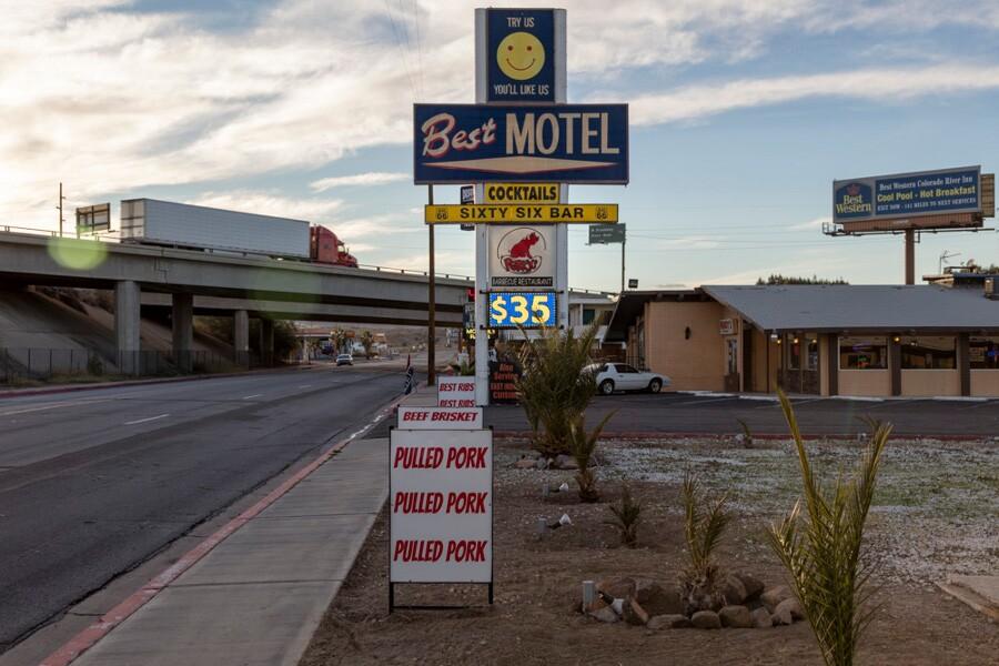 mojave_desert_needles_motel_gas_2.jpg