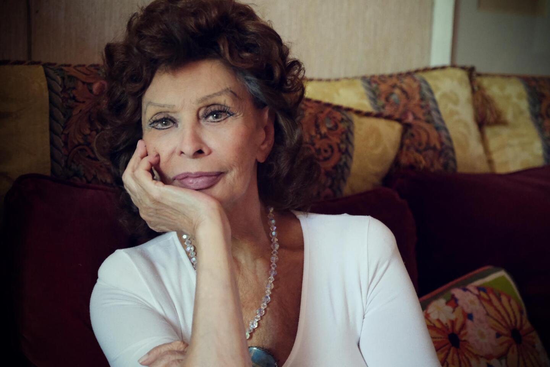 Headshot of actress Sophia Loren.