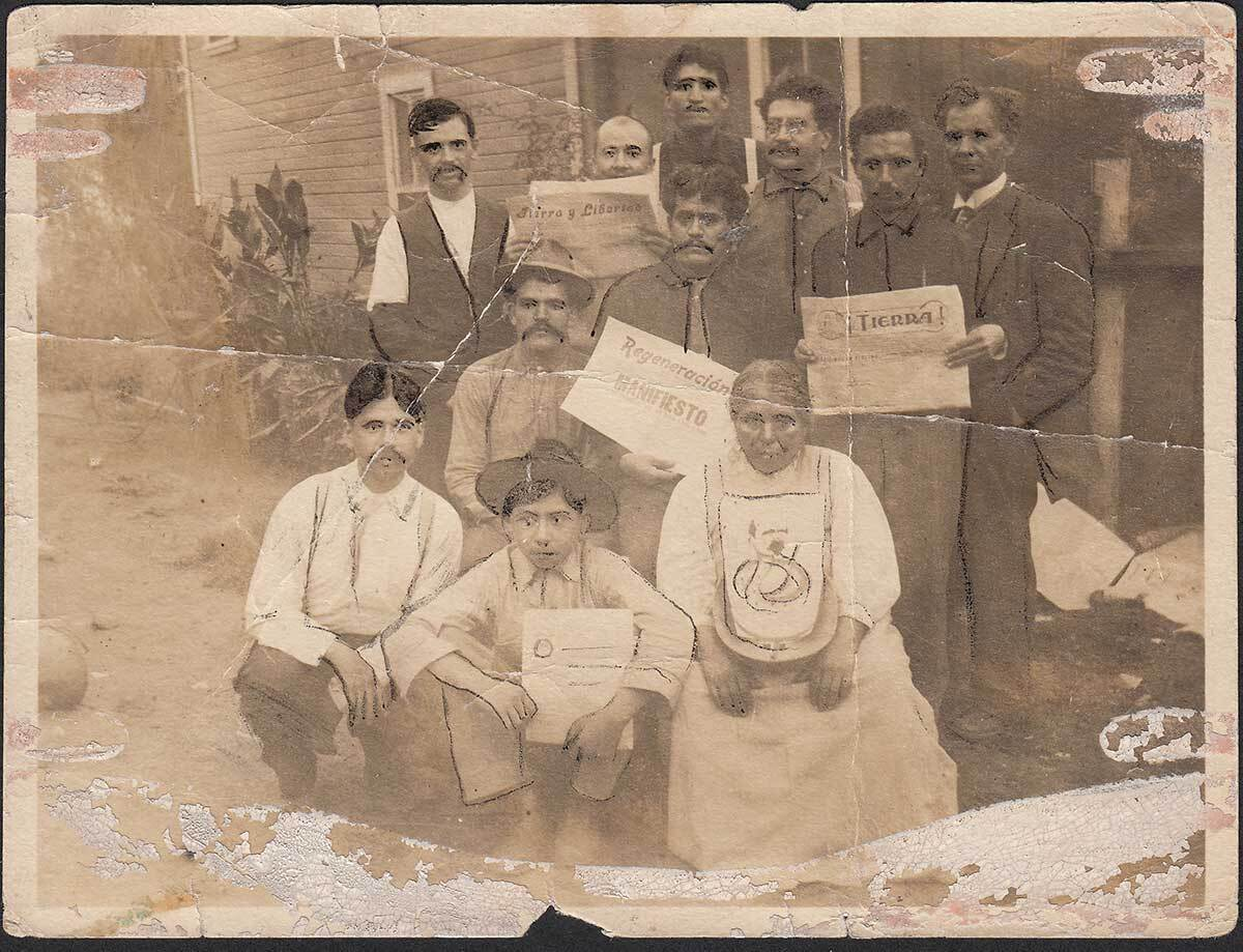 . Members of the Partido Liberal Mexicano and supporters of Regeneración in Edendale, Los Angeles, 1914. Courtesy of La Casa de El Hijo del Ahuizote, Photographic Collection. Regeneracion