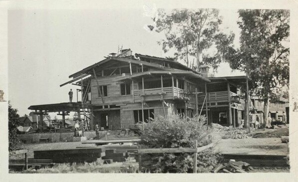 Greene and Greene's Gamble House under construction. Courtesy of The Greene and Greene Archives, USC, at the Huntington Library, Art Collections and Botanical Gardens.