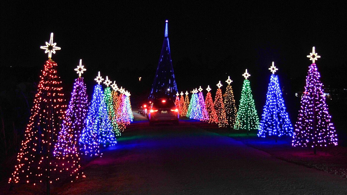 Shepherd Of The Hills Christmas Lights 2021 Six Socal Holiday Lights Drive Thrus And Drive Bys For 2020 Kcet