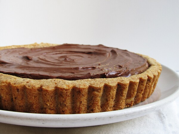 Walnut Tart with Chocolate Cream