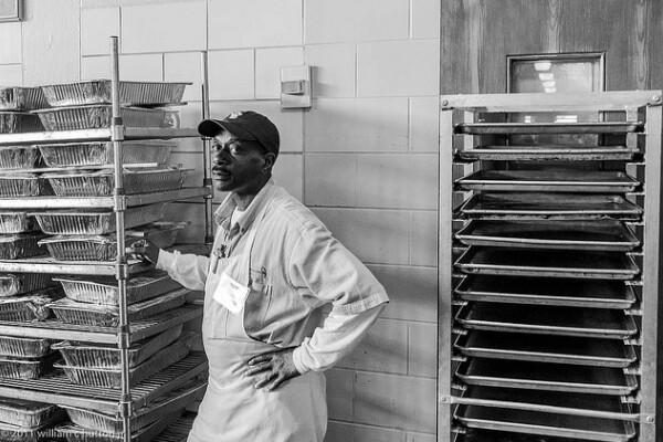foodworker1-600