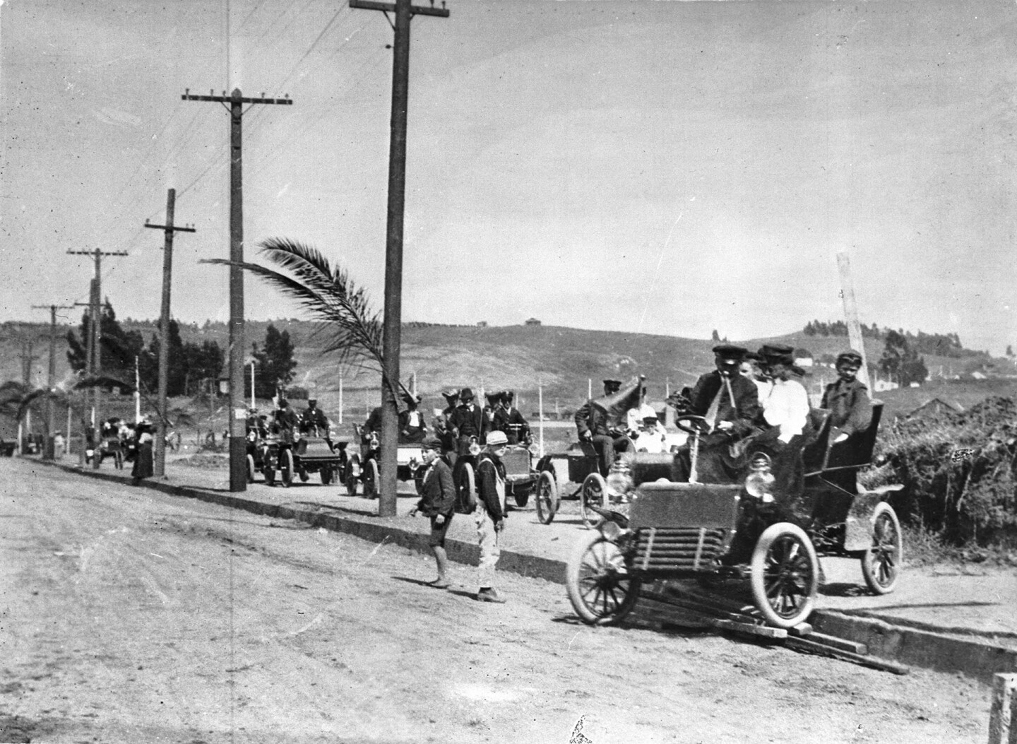 Motorists celebrate Sunset Boulevard's completion in 1904. Courtesy of the Automobile Club of Southern California Archives.