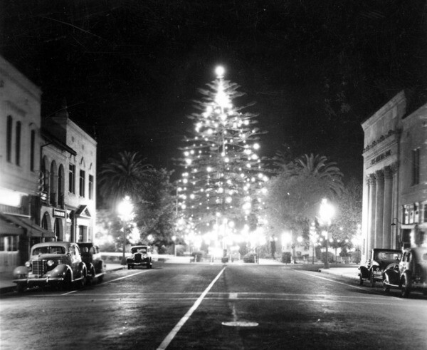 The Orange Plaza Square decorated for the holidays in 1937. Courtesy of the Orange County Archives.