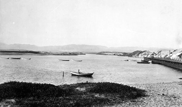 A boater on Ballona Lake, circa 1903. Courtesy of the Title Insurance and Trust / C.C. Pierce Photography Collection, USC Libraries.