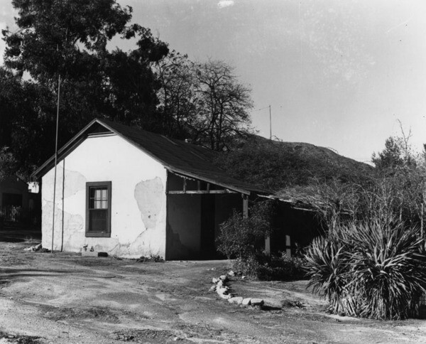 Don Tomas Urquizdez's adobe. Not the site of the Treaty of Cahuenga, contrary to claims made by Harris Gray Otis | Courtesy of the Los Angeles Public Library