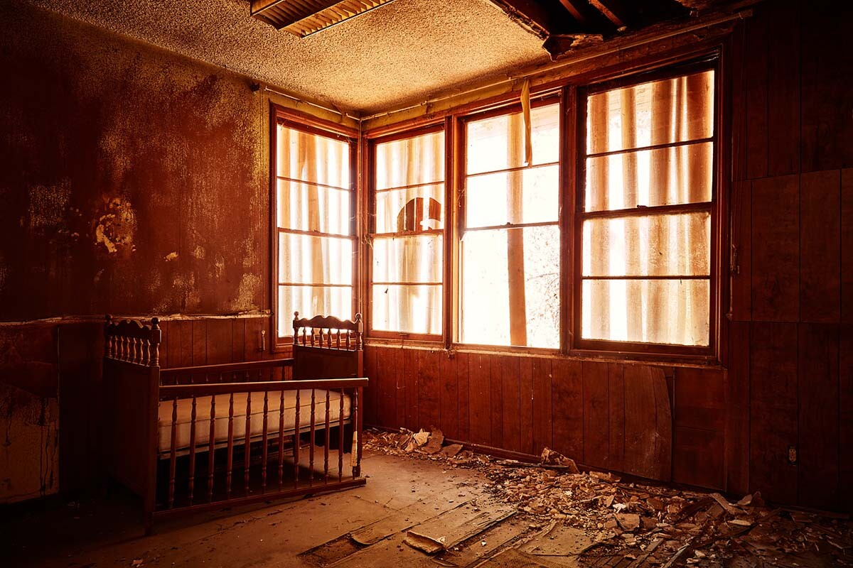 Room with Crib – Administration Building – Whittaker-Bermite Site – Santa Clarita, CA – 2017 | Osceola Refetoff
