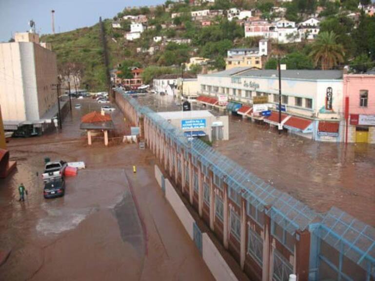 nogales-flood-5-9-16.jpg