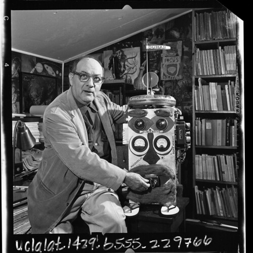 Author Lawrence Lipton, chronicler of the beatnik scene, demonstrating his robot, DUHAR   Los Angeles Times photographic archive/UCLA Library/Creative Commons